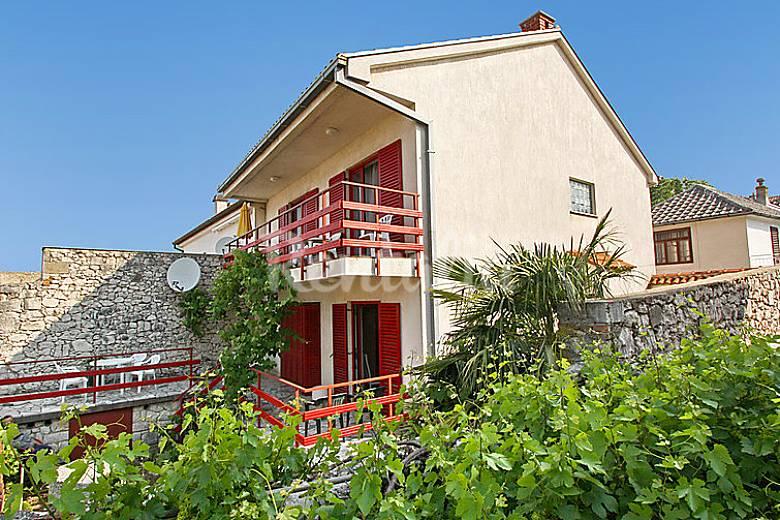 Casa per 8 persone a 300 m dalla spiaggia novi for Piani di casa francese in tudor