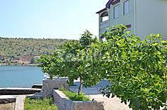 Apartamento en alquiler en 1a línea de playa Zadar