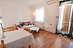 Apartamento para 3 personas en 1a línea de playa Zadar