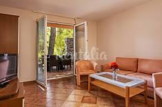 Apartment for 6 people on the beach front line Šibenik-Knin