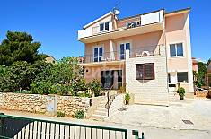 Apartment for rent only 60 meters from the beach Split-Dalmatia
