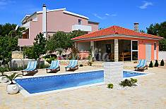 Apartment for 4 people 1.6 km from the beach Šibenik-Knin