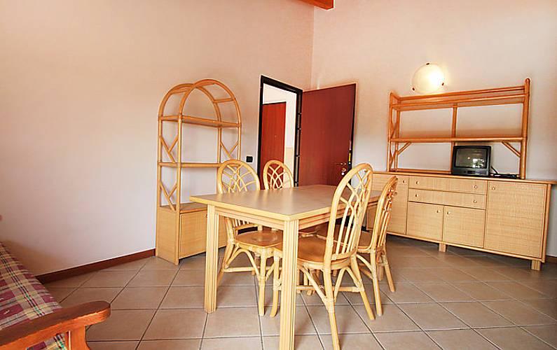 Apartamento Para Alugar Com Piscina Cunettone Sal