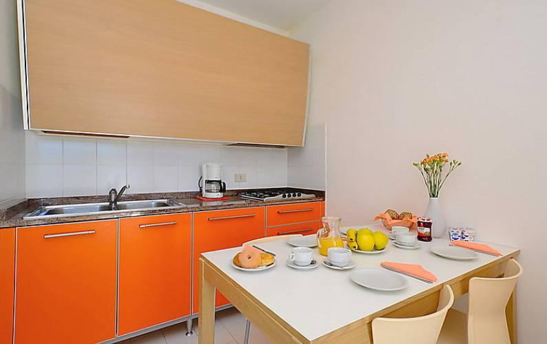 Dormitorio Udine ~ Apartamento en alquiler con piscina Lignano Sabbiadoro (Udine) Alpes italianos