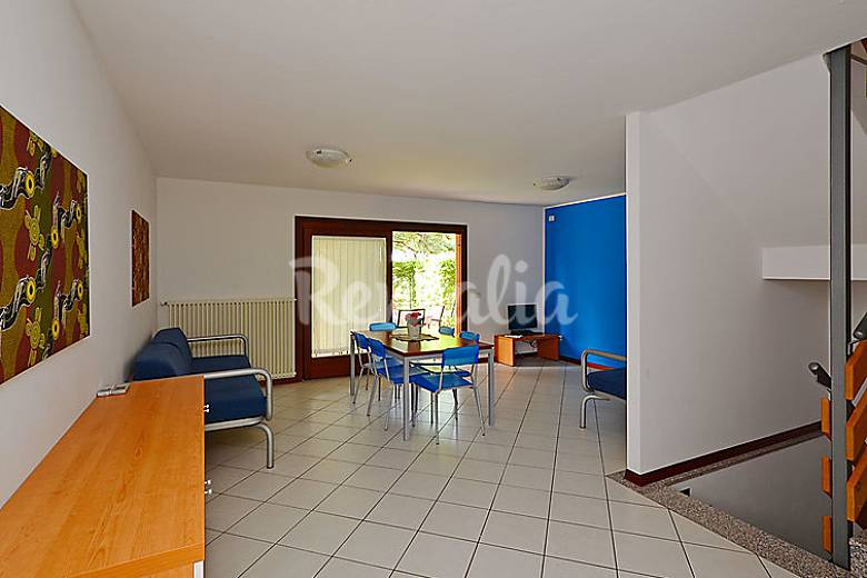 Casa en alquiler con piscina pineda lignano sabbiadoro for Alquiler casa con piscina