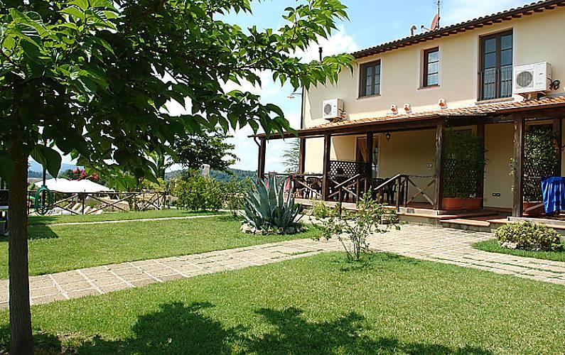 Casa en alquiler con piscina il pino certaldo florencia for Alquiler casa con piscina