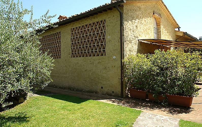 Casa para 4 personas con piscina castellina scalo for Casa rural para 15 personas con piscina