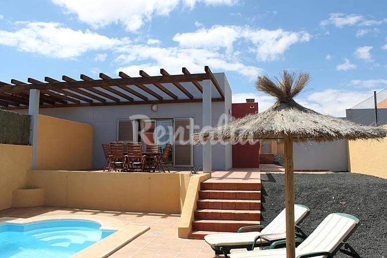 Villa de 3 habitaciones a 800 m de la playa wifi caleta for Villas fuerteventura
