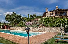 Apartment for 6 people with swimming pool Terni