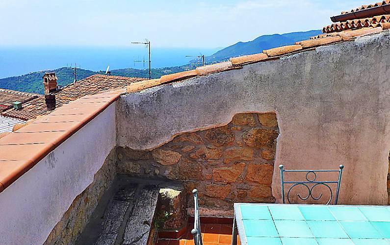 Villa in affitto a 7 km dalla spiaggia centola salerno for Piccoli piani di casa sulla spiaggia su palafitte