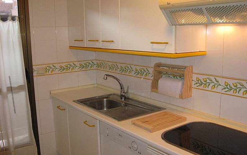 Apartment for 2 4 people in tres cantos tres cantos for Piscina tres cantos