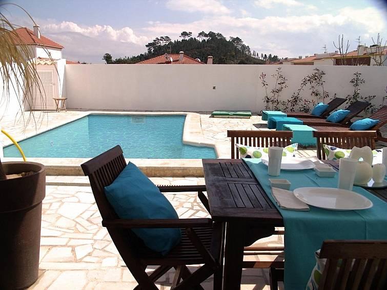 Casa per 6 persone con piscina sesimbra santiago for Location lisbonne avec piscine