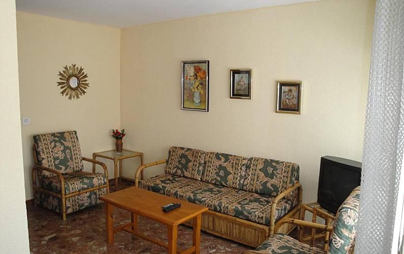 Apartamento bem equipado central a 50m da praia salou for Sala 0 tarragona