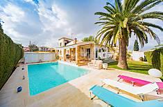 Increíble villa con piscina privada en una zona tranquila! Alicante