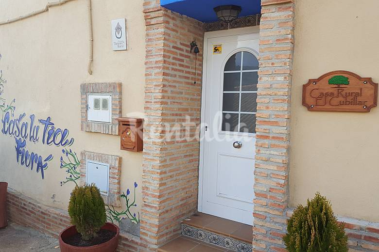 Casa Exterior del aloj. Teruel Nogueras Casa en entorno rural