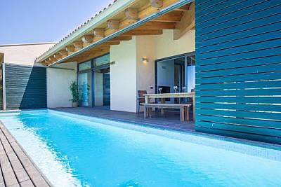 Vivienda vanguardista con jardín y piscina privada Girona/Gerona