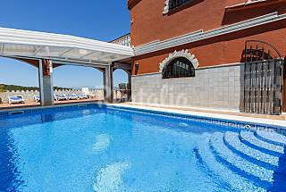 Beatiful villa with sea view Girona