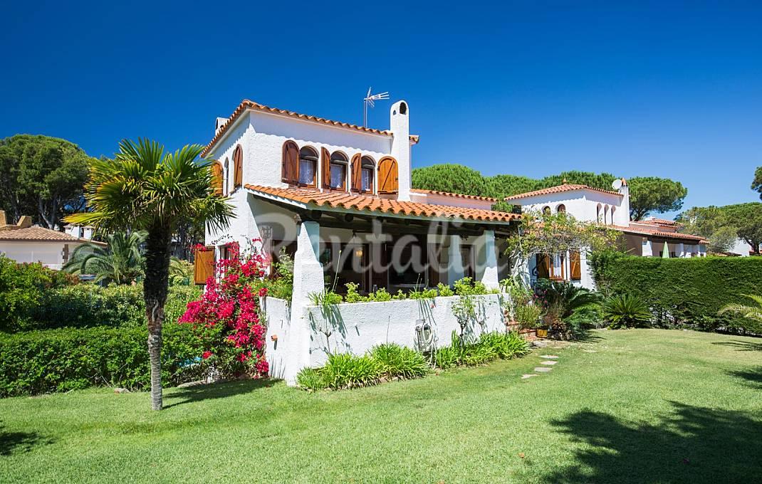 Villa con piscina privada a 400 m de la playa Girona/Gerona