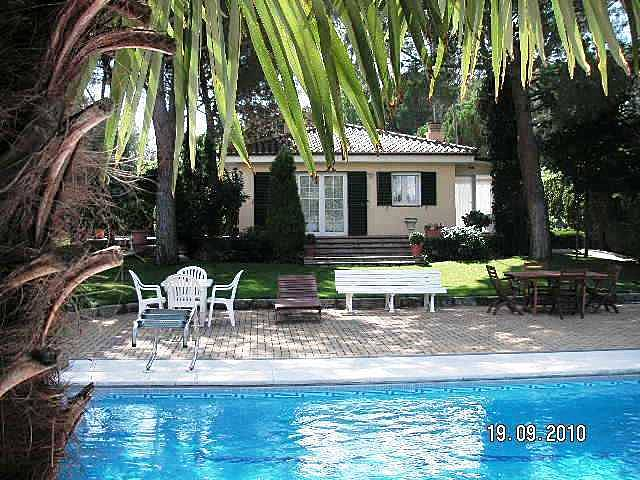 Casa e apartamento em soto del real com piscina soto del for Piscinas soto