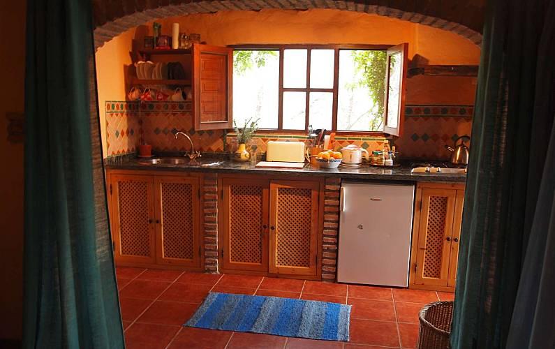 Andalusí-style Kitchen Granada Lanjarón Apartment - Kitchen