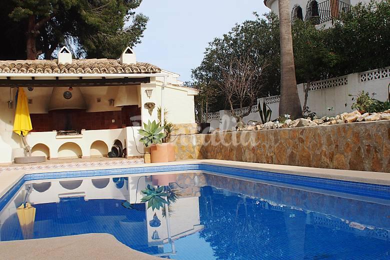 Casa con piscina a 1500 m de la playa la fustera for Casas rurales alicante con piscina