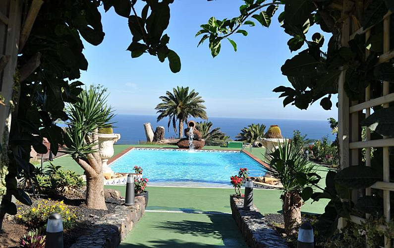 Villa for rent 2 km from the beach Gran Canaria - Swimming pool