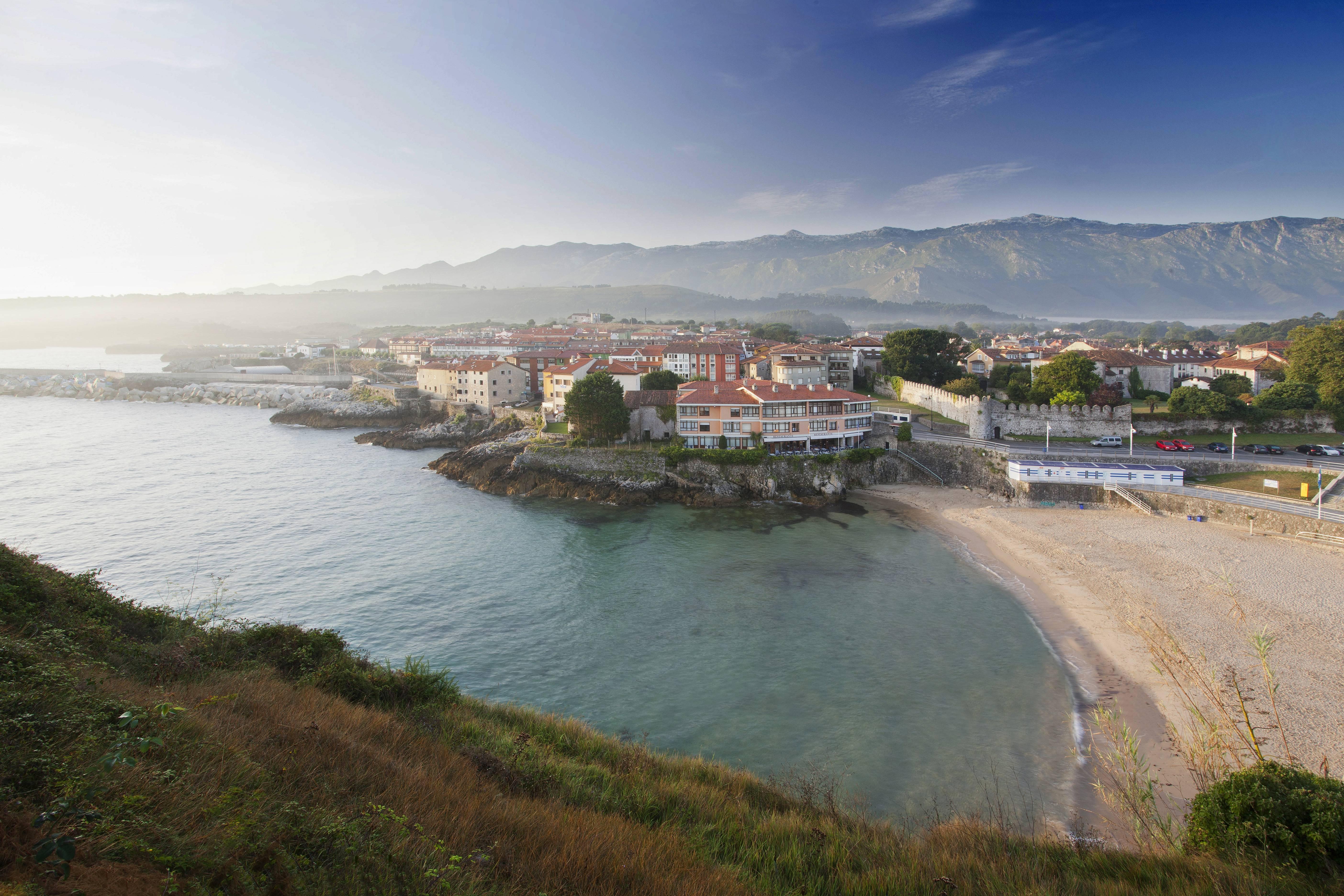 Apartamento de 3 habitaciones a 100 m de la playa llanes for Llanes habitaciones