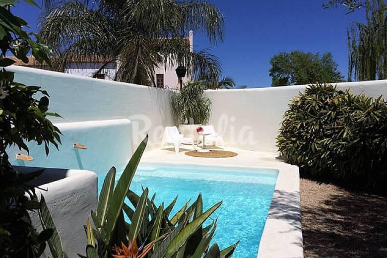 Casa tradicional con encanto chill out y piscina la for Casas rurales con encanto y piscina