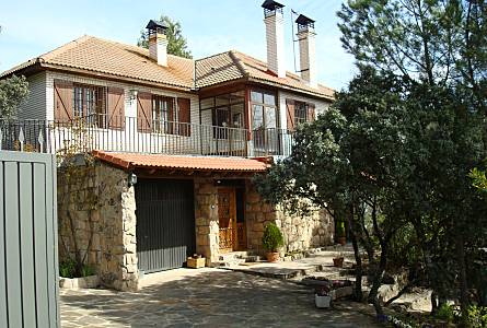 Villa For Rent In Madrid Outdoors