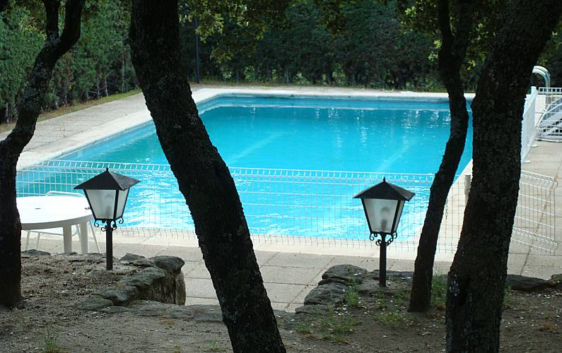 Villa in affitto madrid los robles torrelodones madrid for Piscina torrelodones
