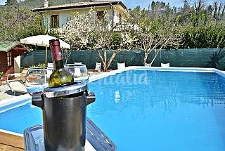 Elegant villa with guesthouse and pool. Lucca