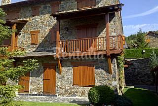 Queixans preciosa casa en el centro del pueblo Girona/Gerona