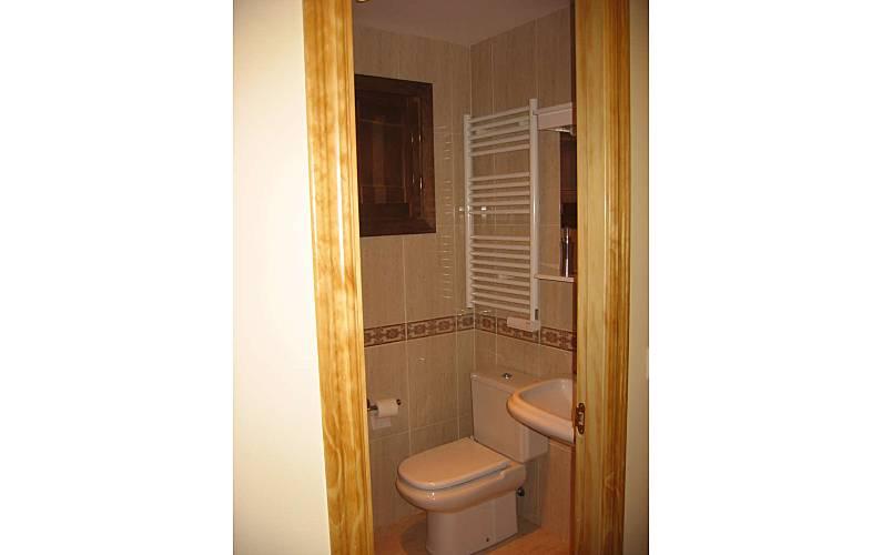 Apartment Bathroom Huesca Canfranc Apartment - Bathroom