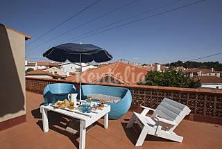 Apartamento de colores, con amplia terraza y bien comunicado Lisboa