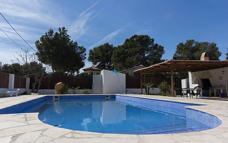 Cambrils piscina privada tres calas l 39 ametlla de mar for Piscina cambrils