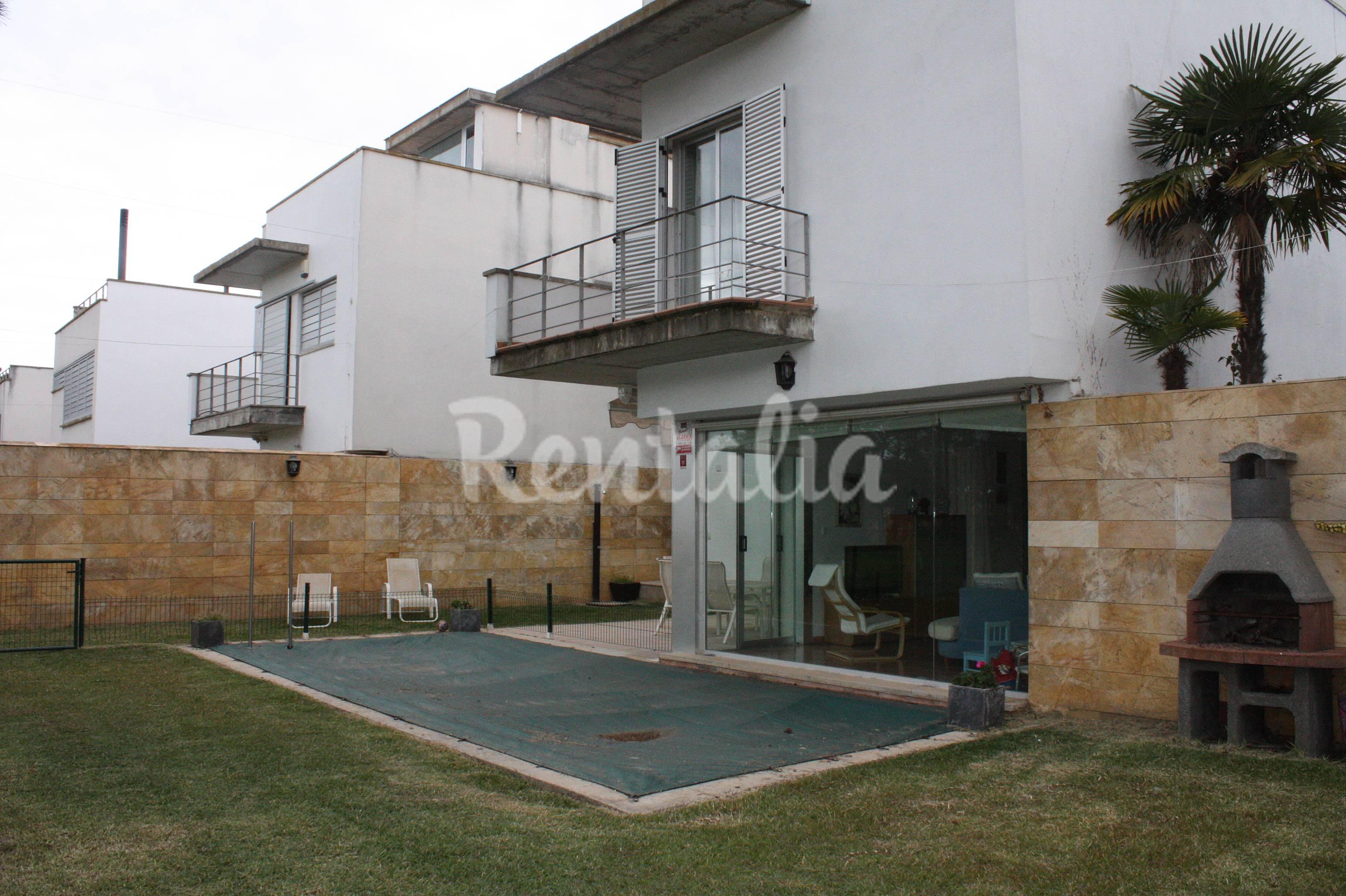 Casa en alquiler a 1500 m de la playa islantilla lepe - Rentalia islantilla ...