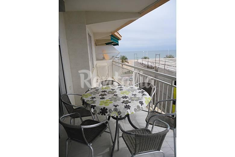 Apartamento en alquiler a 25 m de la playa grau i platja - Apartamentos en gandia baratos verano ...
