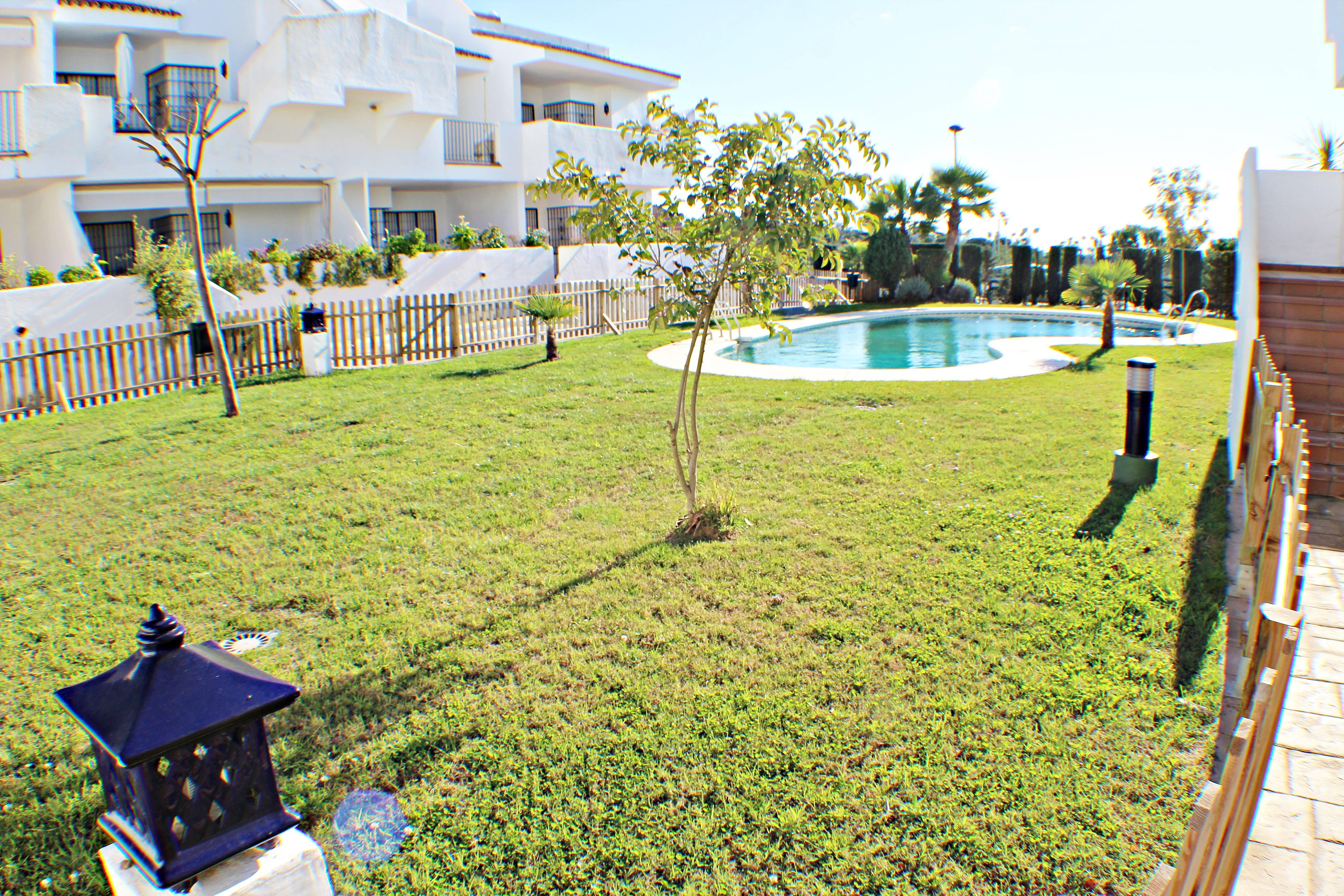 Apartamento en alquiler a 900 m de la playa islantilla - Rentalia islantilla ...