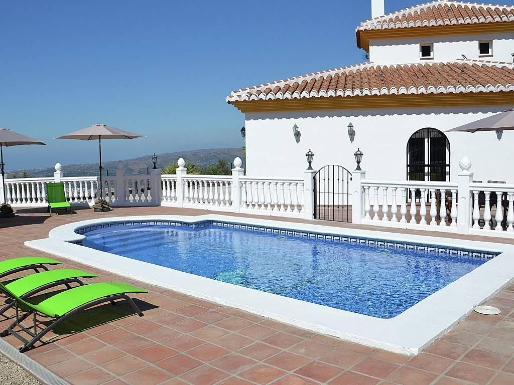 villa en location malaga arenas malaga axarqu a. Black Bedroom Furniture Sets. Home Design Ideas