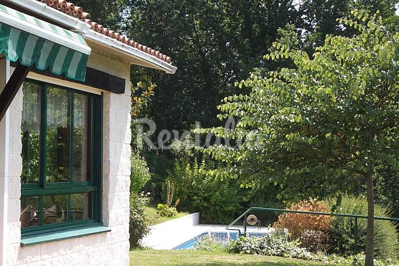 Casa para 2 4 personas con piscina penedo abegondo a for Casas con piscina en galicia