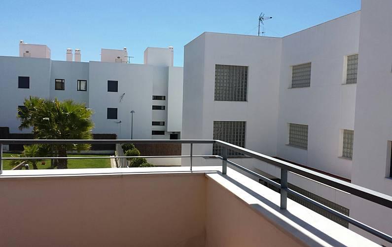 Apartamento en alquiler a 800 m de la playa conil de la for Registro bienes muebles cadiz