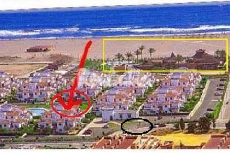 Atico 1 linea playa en el playazo de vera vera playa for Plaza de garaje almeria