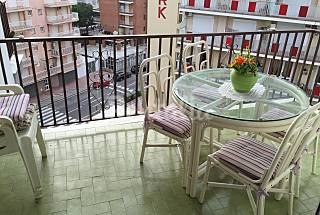 Apartment for 2-4 people only 100 meters from the beach Girona