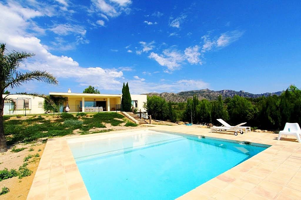 Villa en alquiler en catalu a tres calas l 39 ametlla de for Pisos alquiler ametlla de mar