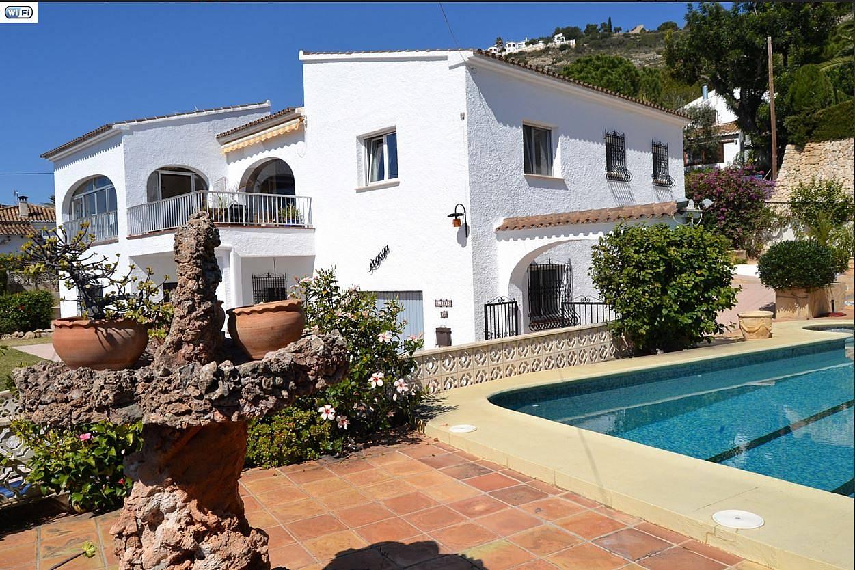 Alquiler de villas en j vea con piscina javea xabia for Piscina alicante
