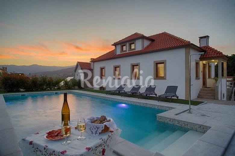 Casa en alquiler con piscina remo es melga o viana do for Piscinas viana