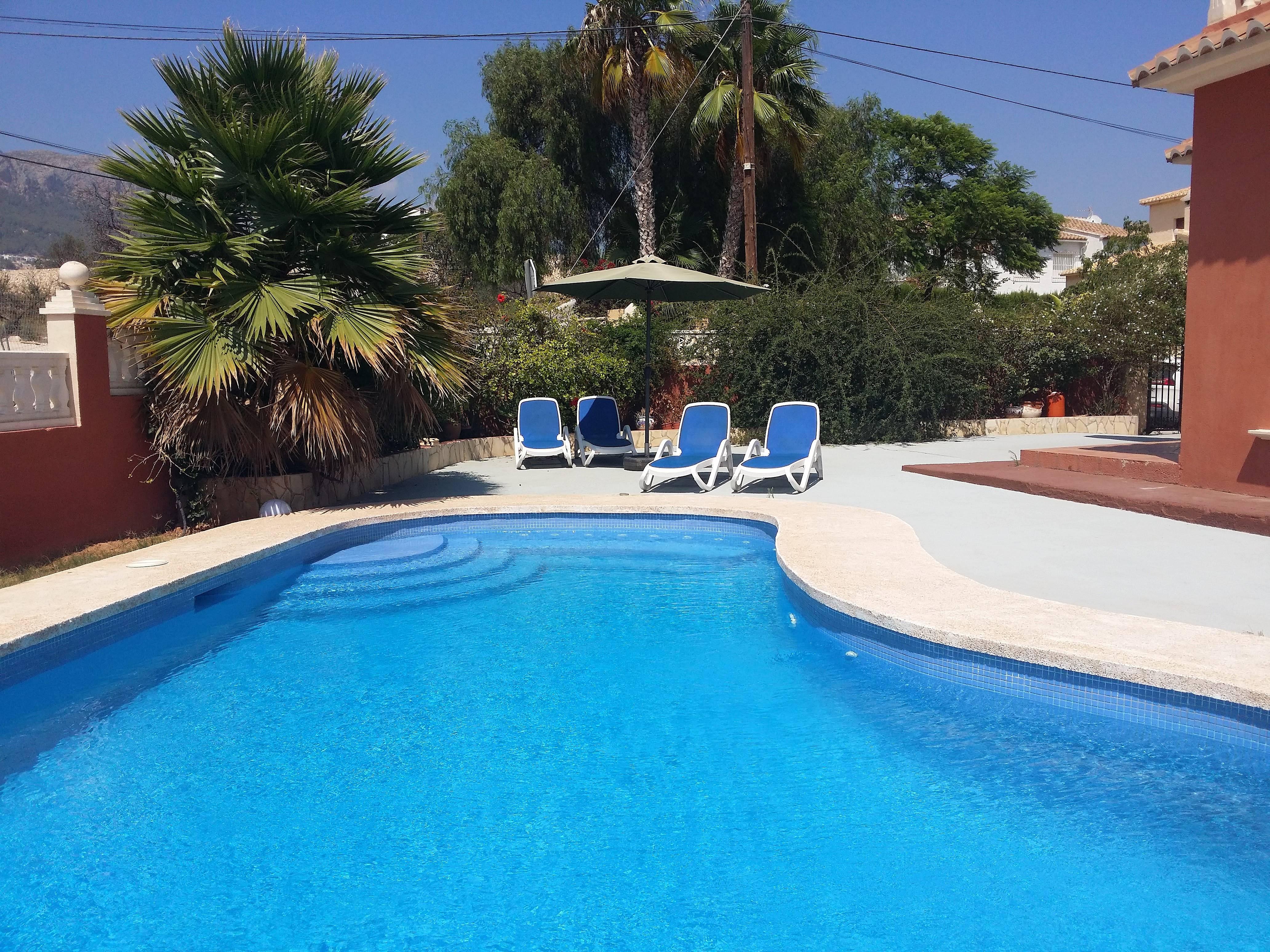 Casa con piscina y gran terraza calpe calp alicante for Piscinas calpe