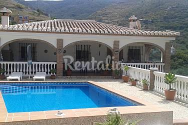 Cortijo con pscina privada y 3 dormitorios velilla for Piscina publica alhendin granada