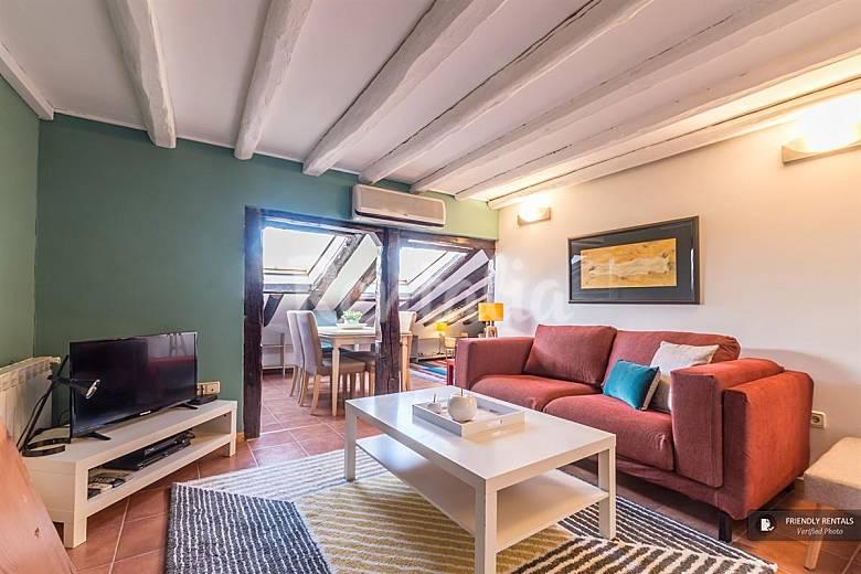 El apartamento prado iv en madrid madrid madrid camino for Licencia apartamento turistico madrid