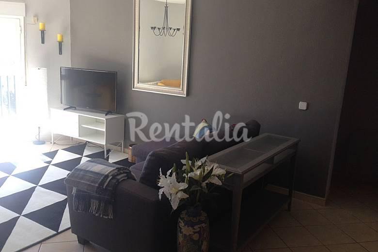 Moderno piso de tres dormitorios con gran vista for Pisos modernos madrid